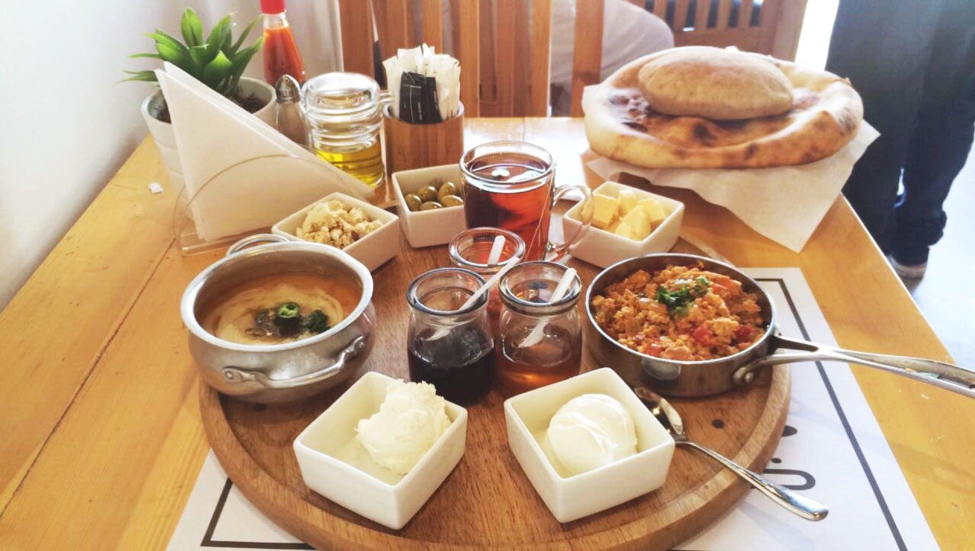 مطاعم فطور جلسات خارجية في الرياض الاسعار المنيو الموقع كافيهات و مطاعم الرياض