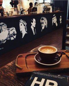 فايف إليفانتس قهوة مختصة.