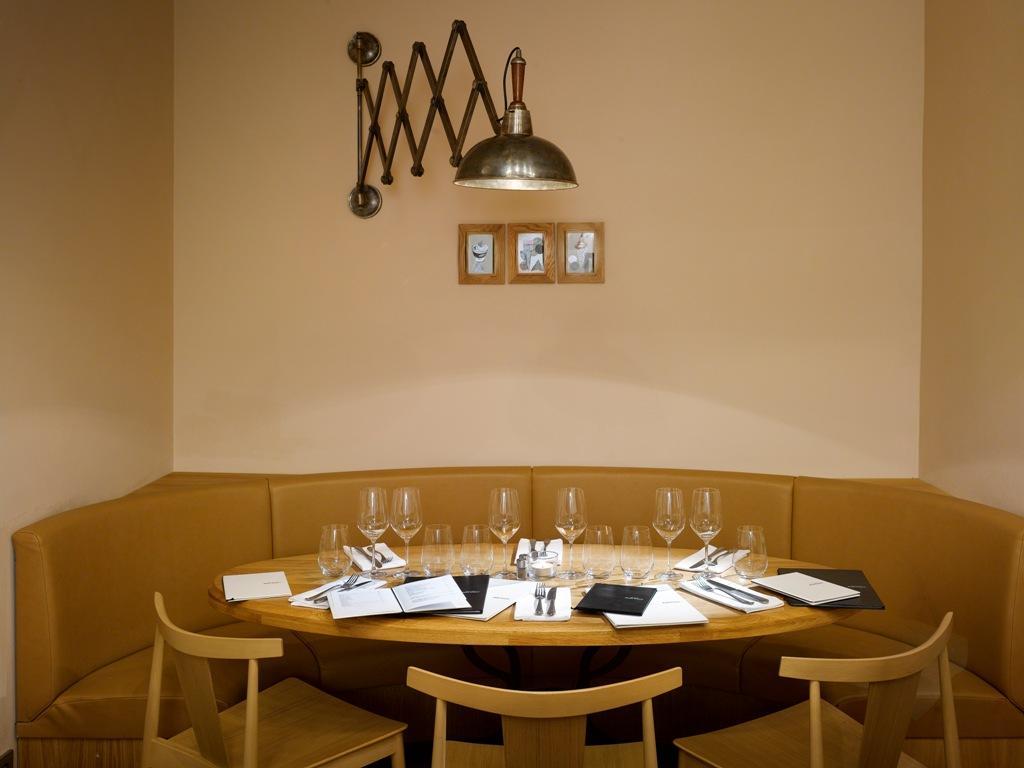 مطاعم السويدي عوائل